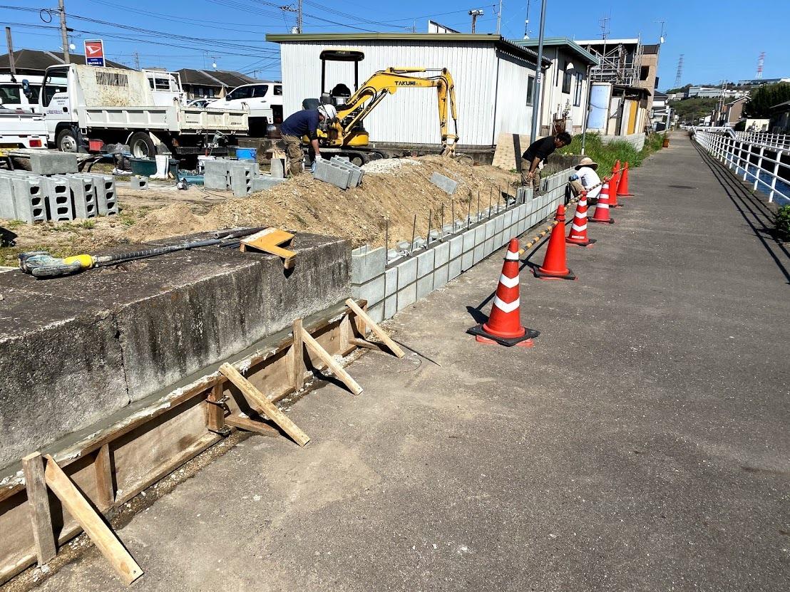 土止めコンクリートブロック